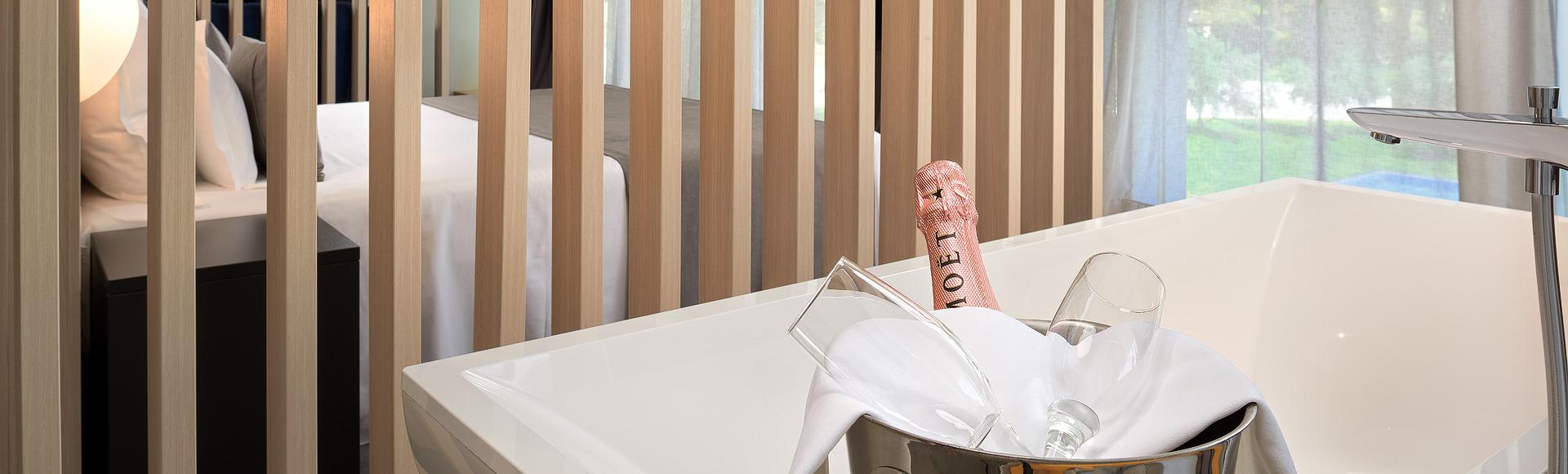 Luxury Caesar Suite pjenušac za dvoje