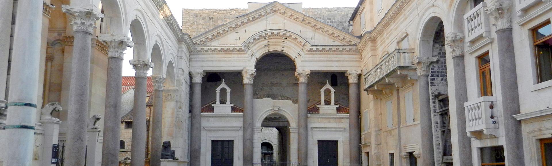 Peristil u Splitu