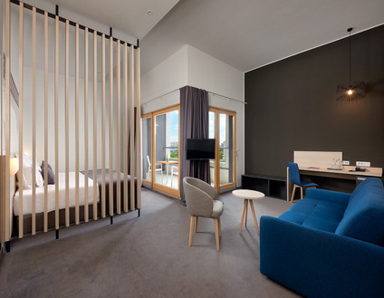 Junior Caesar Suite in Solin